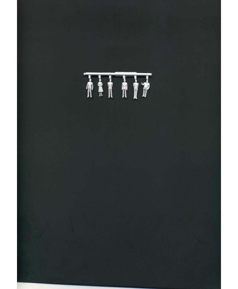1 femme et 5 hommes en tenue de ville en polystyrène blanc moulé - échelle : 1/100 ( 608037 )