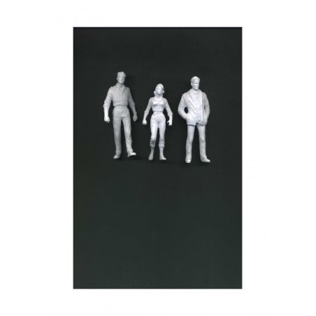 1 jeune femme & 2 jeunes hommes en veste et jeans en polystyrène blanc moulé - échelle : 1/25 ( 608182 )